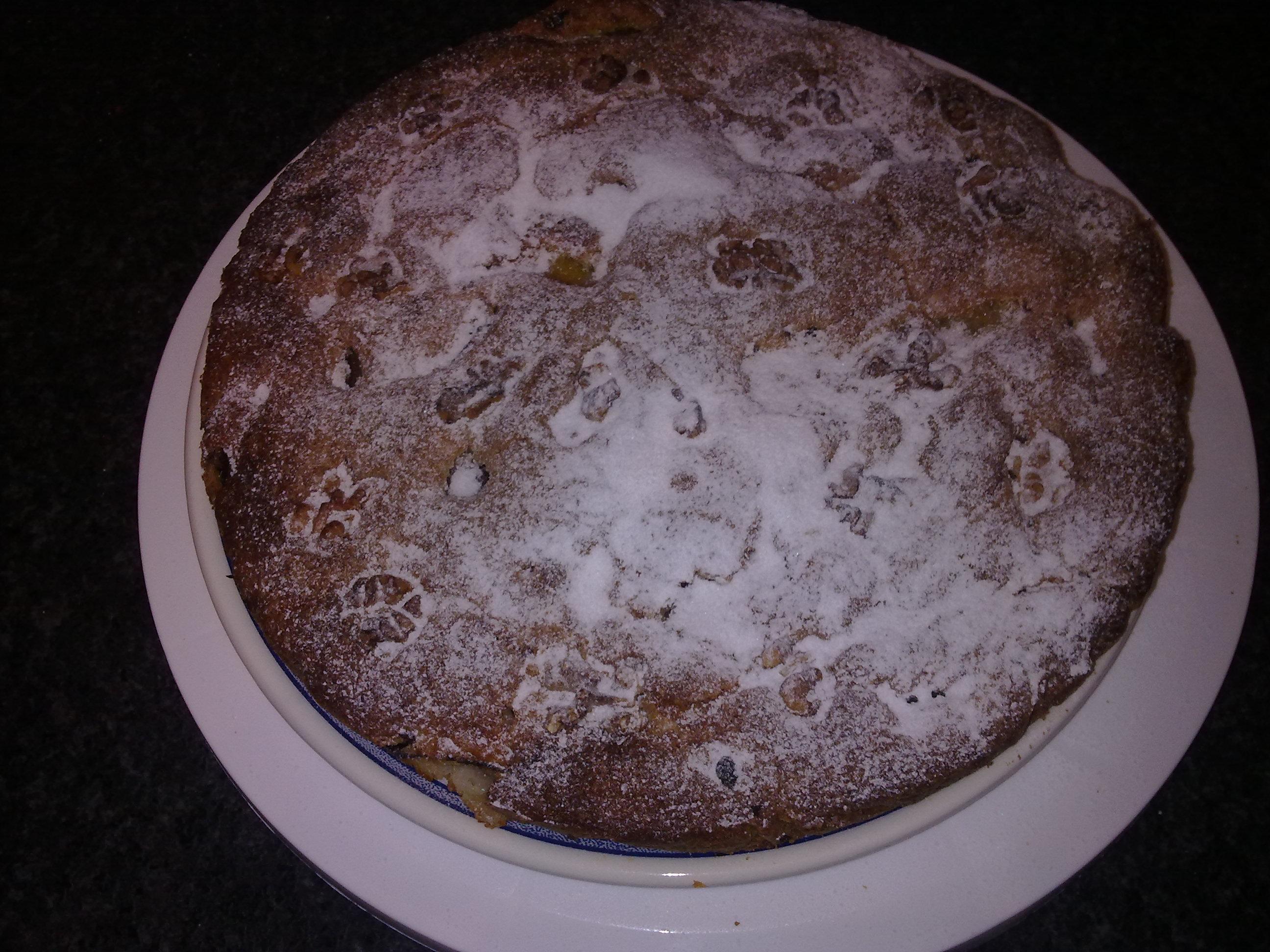 Torta rustica con noci e prugne