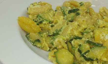 Pasta zucchine ricotta e zafferano